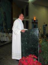 El Padre Provincial, Padre Antonio Tapparello, agradece al Obispo, a los Padres del Seminario, a los Seminaristas y a todos los Feles por su participación