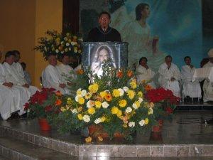El Seminarista Emmanuel leyó la Segunda Lectura.