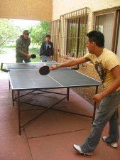 Una cascarita de ping pong.
