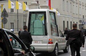 El Papa rumbo al Palacio Presidencial.