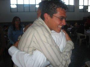 Un último abrazo de los JSF (Jóvenes Sin Fronteras).