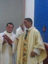 Inicio de la Santa Eucaristía.,