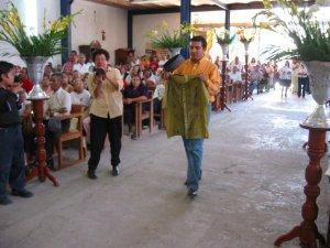 Chava llevó una ropa muy significativa de Indonesia.