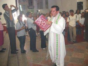 El Padre Fernando preparó y animó este Solemne Cantamisa.