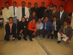 El Padre Lino con los Seminaristas del Año Propedéutico de la Diócesis de Zamora. ¡Ánimo, chavos!