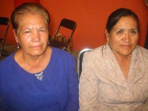 Las mamás  del diácono Alejandro Cifuentes Flores y del Padre Lino.