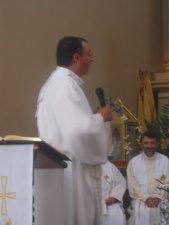 """.. exortó al Padre Lino a """"tomarse, dar gracias, partirse y darse""""."""