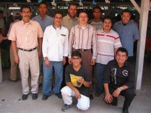 El Padre Manuel con unos Seminaristas mexicanos, que fueron Migrantes en los Estados Unidos.