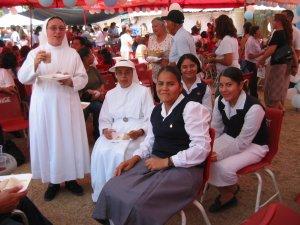 Hermanas y Aspirantes de Santa Dorotea.