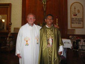 El Padre Mauro con el Padre Román.