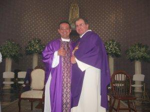 El Padre Tomás con su Promotor Vocacional, el Padre Giovanni.