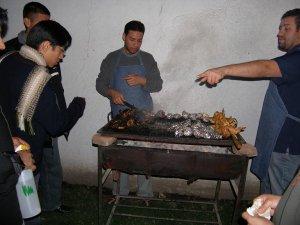Al finalizar la misa, compartimos una carne asada, preparada por los seminaristas.