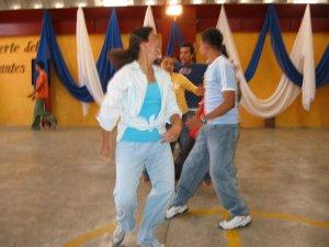 ..con las danzas...<br />