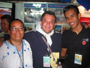 Un Religioso de Cd. Juárez, Chih., el Padre Fernando y el JSF (Jóvenes Sin Fronteras) Juan Diego.