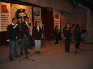 """El Grupo de la Parroquia de San Rafael , representante de la Diócesis de Campeche, Cam., propuso el Canto: """"Lo más valioso de mi Familia""""."""