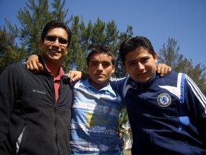 Una vez más juntos, Alejandro, Humberto y Fausto.