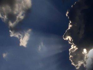 <br /> Los JSF miramos al cielo, ya que los Ángeles nos anunciaron un extraordinario acontecimiento...<br />  <br />