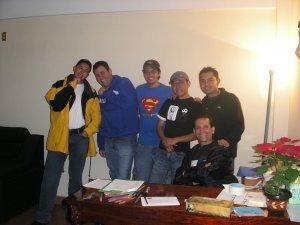 Padre Rafael con unos Seminaristas.
