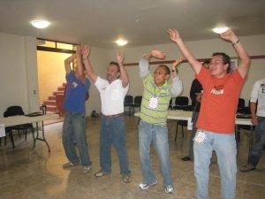 Los seminaristas Emmanuel, Paul, Jesús y Efrén también participaron en las dinámicas.
