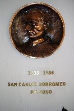 De la misma forma imploramos la luz de nuestro Patrón San Carlos Borromeo.