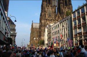 Llegar a la Catedral fue imposible 4 horas antes de que llegara el Papa