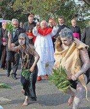 Walbunja e Kamilaroi, el saludo de los aborigenes al Papa.