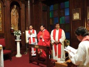 A través de la Oración y la Eucaristía nos encontramos con Dios, con nosotros y compartimos nuestras experiencias.