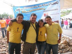 Jóvenes de Poza Rica, en visita a nuestro expo, Angelica especialmente sonrie para todos!!!!
