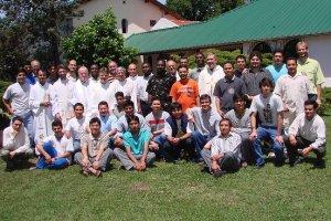 Comunidades de filosofía y teología, junto con algunos de los padres en el Seminario San Carlos. Paso del Rey, Bs. As., Argentina