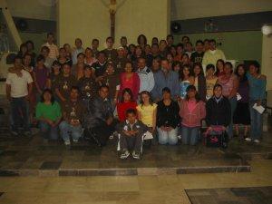 Grupo de Jóvenes de la Parroquia de Nuestra Señora del Rayo, Col. Miravalle, Guadalajara, Jal. reunidos para sus Ejercicios Cuaresmales.