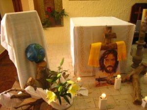 En un clima de orción, hemos puesto nuestras vidas en la presenia de Jesús.