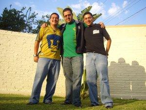 Efrén, Guillermo y Emmanuel la Comunidad Teológica de Roma, Italia les espera con alegría.