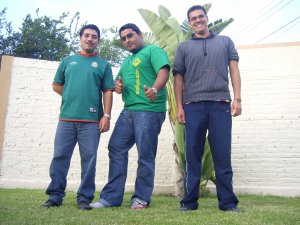 Candelario, Wilson y Alejandro les espera la Comunidad teológica de Bogota, Colombia.
