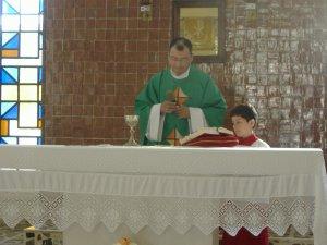 P. Miguel preside...