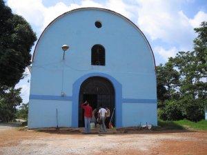 Fachada de la Capilla de San Rafael...