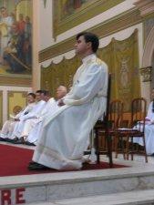 Hizo sus primeros Votos Religiosos el 7 de enero del 2001.