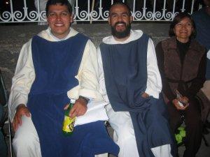 Padre Miguel Ángel de El Salto, junto a un cohermano...