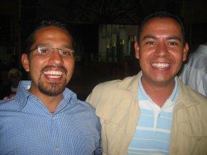 Gama y Tomás, amigos del Padre Alejandro.