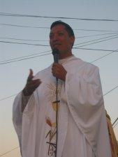 El Padre Alejandro agradeció a Dios, al Obispo, a la Congregación Scalabriniana, a su Familia ya todo el pueblo de El Salto.