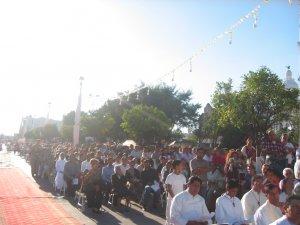 Los numerosos fieles presentes siguieron con mucha devoción y atención todos los momentos del Sacro Rito.