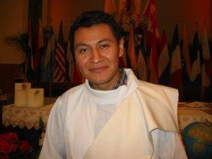 ... Humberto Chacón Flores fue Ordenado Sacerdote... y Misionero de los Migrantes.