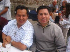 Él Seminarista Valentín con José Ángel, que pronto regresa a Colombia.