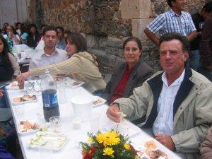 Familiares de Abraham de Capilla de Guadalupe, Jal. , que pronto regresa a Brasil.