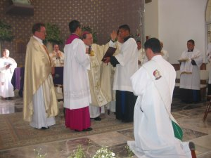Otro momento central de toda la Celebración: la Oración Consecratoria.