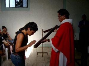 La adoración de la Cruz...