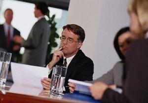 Los patronos podrán pedir al gobierno que renueve las visas de trabajo por otros tres años.