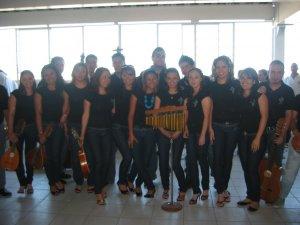 La Estudiantina de la Parroquia de los Santos Crispín y Crispiniano animaron la Misa de Clausura.
