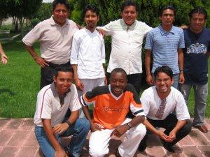 Los Seminaristas que nos acompañaron.