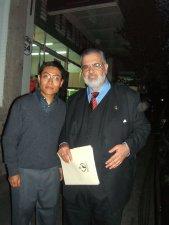 Nuestos seminaristas aprovecharon la oportunidad para tomarse la foto con el Ombusman de México, quien complacido posó para la foto. Ojalá esto ayude a nuestros jóvenes a defender y promover los derechos humanos en nuestra sociedad.