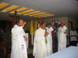 La bendicion final de la Santa Misa con la clausaramos nuestro encuentro